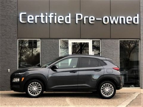 Pre-Owned 2019 Hyundai Kona LUXURY w/ LEATHER / SUNROOF / AWD Sport Utility