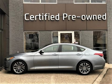Pre-Owned 2015 Hyundai Genesis Sedan TECHNOLOGY w/ HUD / ADAPTIVE CRUISE / AWD 4dr Car
